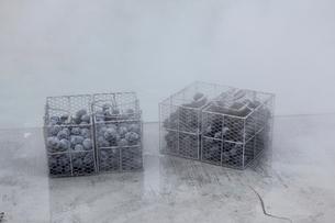 大涌谷の黒卵の写真素材 [FYI01234189]