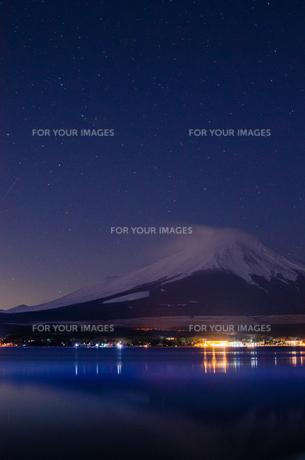 星空と富士山の写真素材 [FYI01234464]