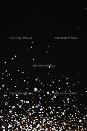 飛散るカラーサンドの写真素材 [FYI01234501]