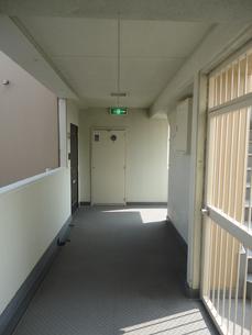 廊下の写真素材 [FYI01234573]