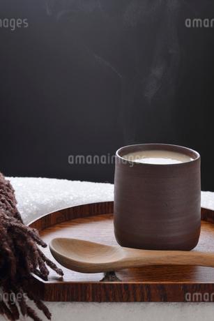 ホットドリンクの甘酒の写真素材 [FYI01234658]