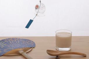 アイスドリンクの甘酒の写真素材 [FYI01234665]
