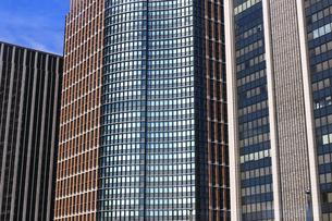東京丸の内のオフィスビル街の写真素材 [FYI01234716]