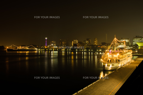 夜景の写真素材 [FYI01234770]