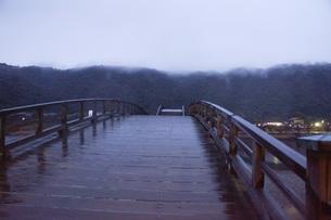 錦帯橋(早朝)の写真素材 [FYI01235022]