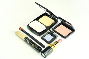 化粧品のセットの写真素材 [FYI01235171]