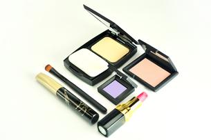 化粧品のセットの写真素材 [FYI01235172]
