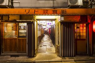 京都リド飲食街の写真素材 [FYI01235323]