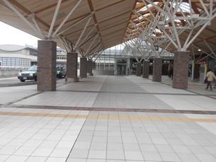 岡山駅のタクシーのりばの写真素材 [FYI01235365]