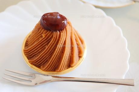 モンブランのケーキの写真素材 [FYI01235847]