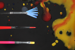 絵筆と絵の具の写真素材 [FYI01236323]