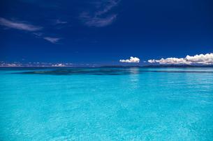波照間島の青い海の写真素材 [FYI01236431]
