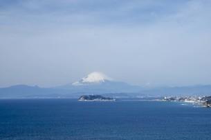 海と江の島と富士山の写真素材 [FYI01236778]
