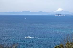海と江の島と富士山の写真素材 [FYI01236779]