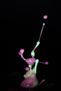 飛散る絵の具の写真素材 [FYI01236995]