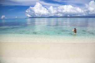南の島のサンゴ礁の海の写真素材 [FYI01237157]