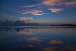 海辺のサンセットタイムの写真素材 [FYI01237192]