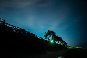 夜空の写真素材 [FYI01237332]