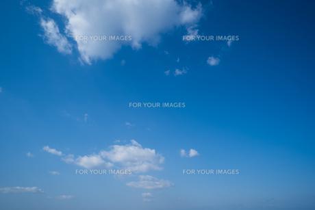 青空 雲 背景素材の写真素材 [FYI01237354]