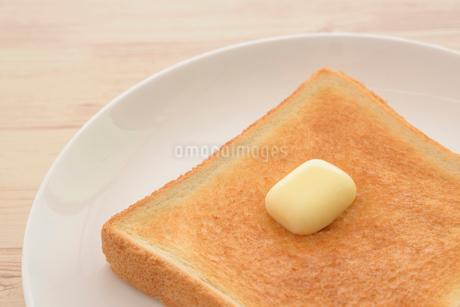 トーストとバターの写真素材 [FYI01237429]