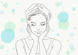 スキンケアをする女性のイラスト素材 [FYI01237482]