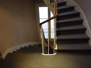 レトロな階段の写真素材 [FYI01238019]