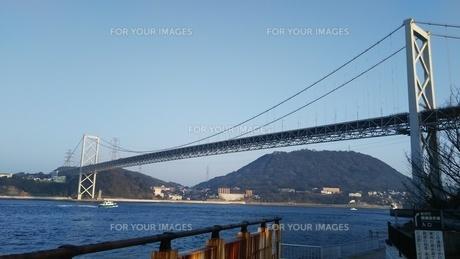 関門橋と壇ノ浦の写真素材 [FYI01238177]