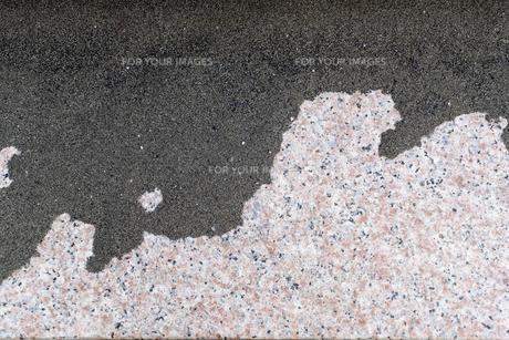 風で溜まった砂の写真素材 [FYI01238559]