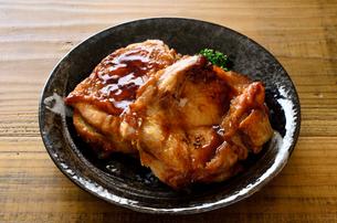 鶏の照り焼きの写真素材 [FYI01238971]