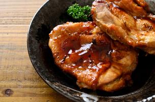 鶏の照り焼きの写真素材 [FYI01238972]
