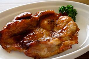 鶏の照り焼きの写真素材 [FYI01238977]