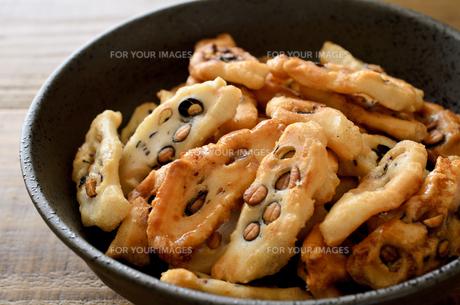 黒豆おかきの写真素材 [FYI01238981]