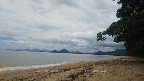 オーストラリア クイーンズランド州 パームコーヴ 海岸3 Palm Cove Australia Cairnsの写真素材 [FYI01239008]
