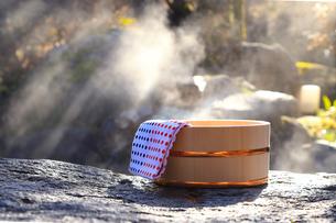 旅館の露天風呂~温泉の写真素材 [FYI01239702]