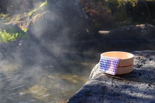 旅館の露天風呂~温泉の写真素材 [FYI01239706]