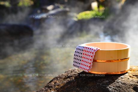 旅館の露天風呂~温泉の写真素材 [FYI01239714]