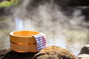 旅館の露天風呂~温泉の写真素材 [FYI01239717]