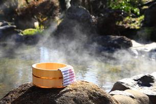 旅館の露天風呂~温泉の写真素材 [FYI01239718]