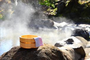 旅館の露天風呂~温泉の写真素材 [FYI01239719]