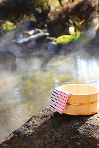 旅館の露天風呂~温泉の写真素材 [FYI01239722]