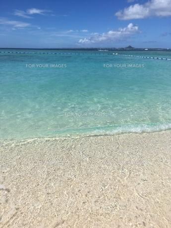 沖縄 美ら海 瀬底島の写真素材 [FYI01240379]