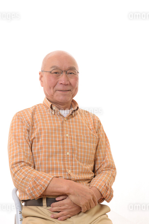 眼鏡と笑顔の日本人シニアの写真素材 [FYI01240600]