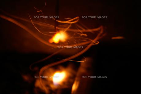 揺れる炎の写真素材 [FYI01240623]