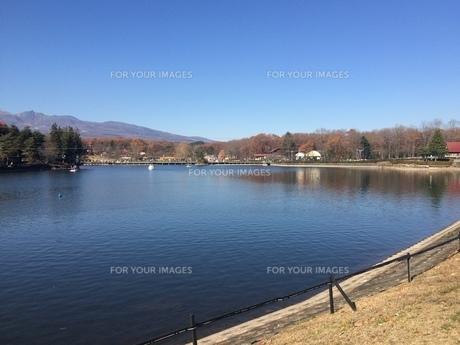 湖の写真素材 [FYI01240813]