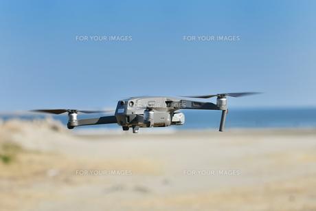 海岸のドローンの写真素材 [FYI01241222]