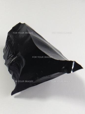 黒曜石の塊の写真素材 [FYI01241404]
