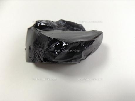 黒曜石の塊の写真素材 [FYI01241407]