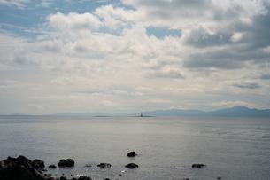 桜島から小さく灯台が見えましたの写真素材 [FYI01241427]