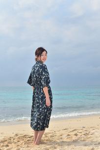 宮古島/リフレッシュ休暇の女性の写真素材 [FYI01241488]