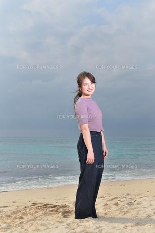 宮古島/リフレッシュ休暇の女性の写真素材 [FYI01241491]